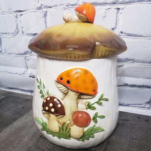 """Vintage 70s Merry Mushroom 12"""" Canister"""